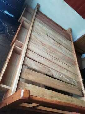 Vendo cama de madera pino