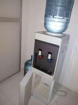 Se vende dispensador de agua