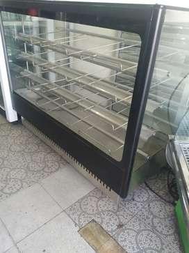 Hermosa vitrina panadera nueva