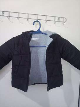Campera de bebe impecable 650$