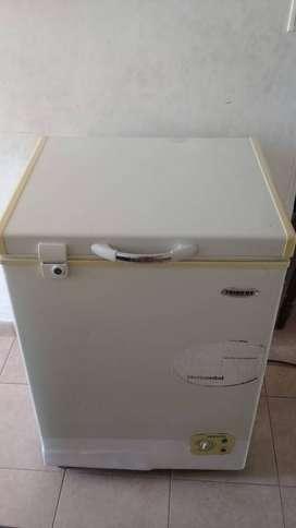 Vendo tanque congelador Frigilux de 100 L