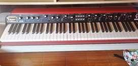 Teclado Piano Korg SV-1