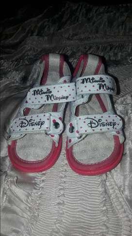 Sandalias para niña número 20 nuevas
