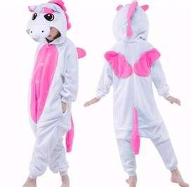 pijama tipo unicornio blanco