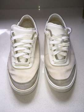 Tenis o zapato deportivo talla 41 marca Zara Man