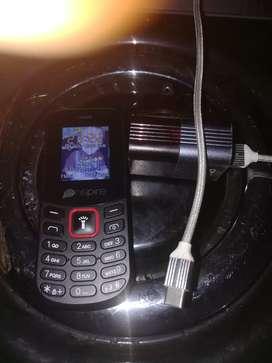 Vendo teléfono básico nuevo y un cargador linio