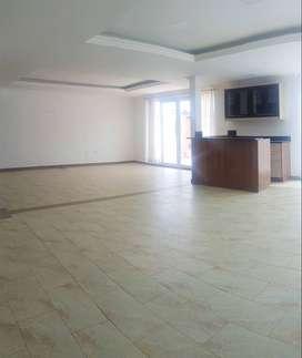 Renta Casa Amplia $1.100 - Lumbisí / Cumbayá