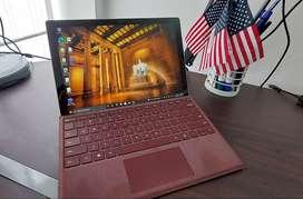 Nuevo Microsoft Surface Pro 7+ con accesorios