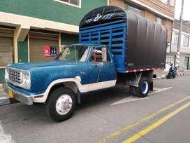 vehículo Dodge 300