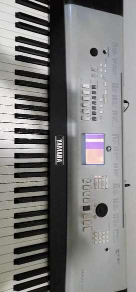 Vendo Yamaha DGX 620 com detalle