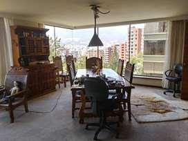 Amplio Departamento entre la Gonzalez Suarez y Bosmediano, 4 dormitorios, piscina, raquet, sauna,  turco, hermosa vista.