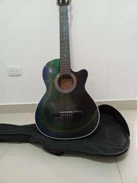 Guitarra nueva bella