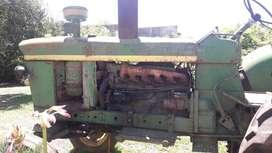 Se vende tractor John deere 3420 modelo 76.