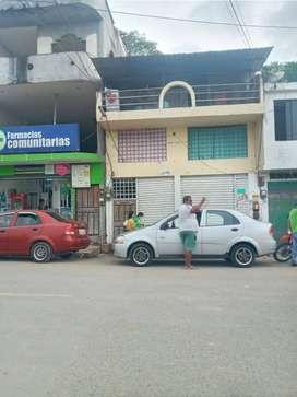 VENTA DE CASA CON LOCALES COMERCIALES