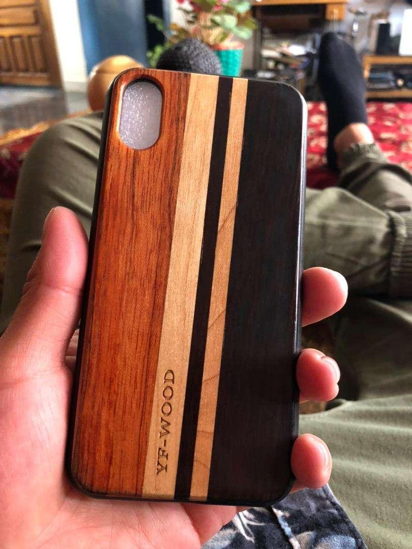 Carcasa estuche case de madera Iphone 10 original 0