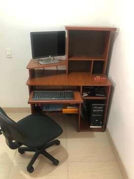 Centro (mueble) de computo y silla de oficina