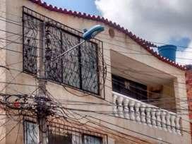 CAMPO HERMOSO. Vendo Directamente Apartamento Piso 3. Amplio, iluminado, ventilado. Excelente Ubicación y oportunidad.