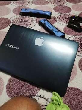Vendo portátil táctil Samsung