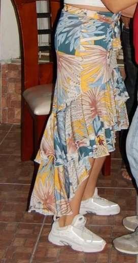 Vendo falda estampada