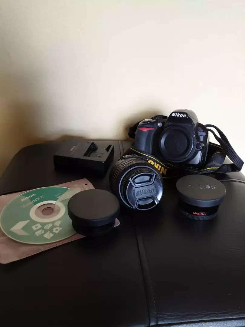 Nikon D3100 0
