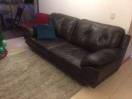 Sofa de cuero (marca Puro cuero) excelente estado!!!