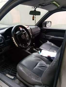 Se vende Mazda BT-50 con caseta