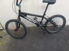 Bicicleta de saltos