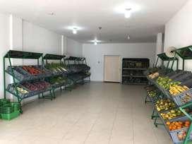 Estanteria y canastas para frutas y verduras