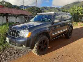 Jeep grand Cherokee Laredo 4x4 2010 QUADRATRACK