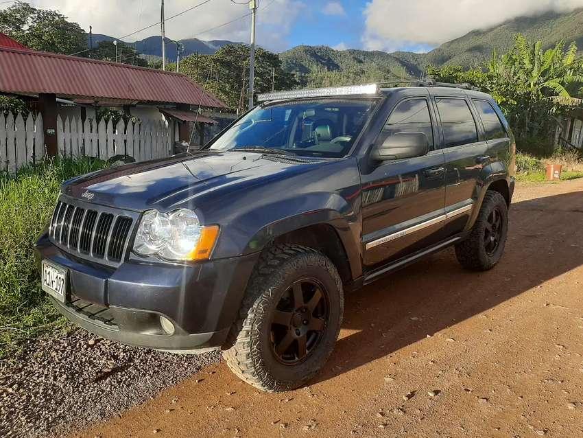 Jeep grand Cherokee Laredo 4x4 2010 QUADRATRACK 0