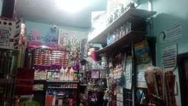 Se vende distribuidora cosmeticos para trasladar  bien surtida negociable.