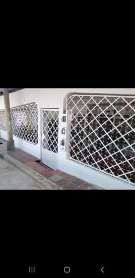 Se vende casa en el barrio chapinero