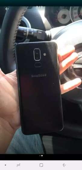 Se vende o se cambia Samsung j8 plus