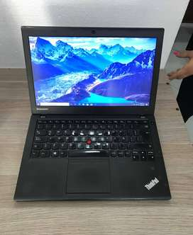 !!SEGUNDAZO BACANO!! PORTATIL: LENOVO THINKPAD X240 PROCESADOR: INTEL CORE I5 DE 4TA GENERACIÓN MEMORIA RAM: 4GB DDR3
