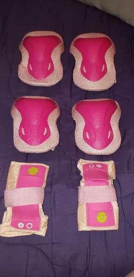 Protectores de codo rodilla y manos usados pero en muy buen estado