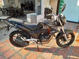 Vendo moto como nueva interesados llamar o escribir al what