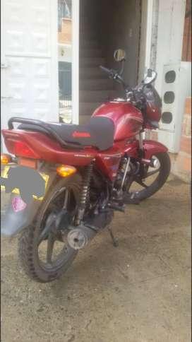 Se vende  moto  Honda