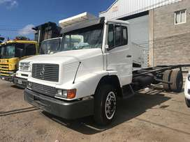 Camion Mercedes Benz 1215 chasis