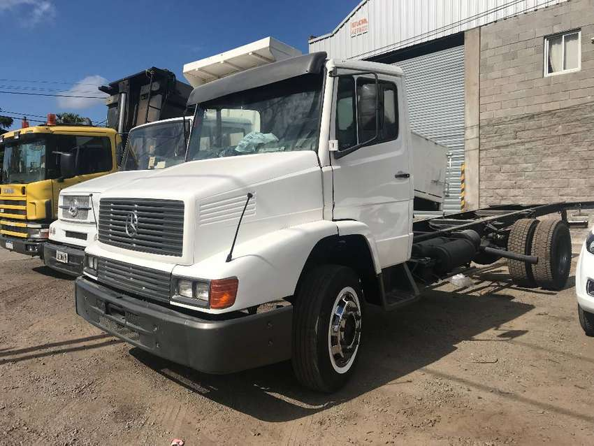 Camion Mercedes Benz 1215 chasis 0