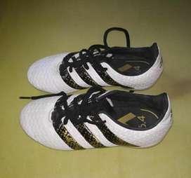 Guayos Adidas 16.4 Talla 33