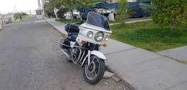 Moto Kawasaki Police