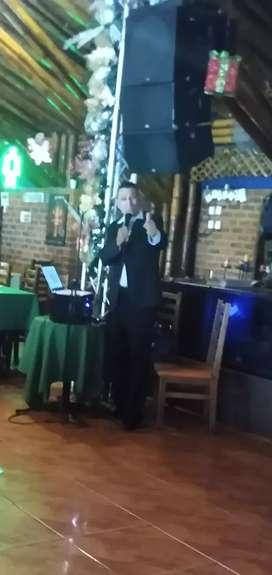 CANTANTE CON PISTAS MUSICALES VARIOS GÉNEROS: