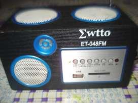 Parlante Mwtto Et 048fm Usb Radio Fm,ent Auxiliar Linterna