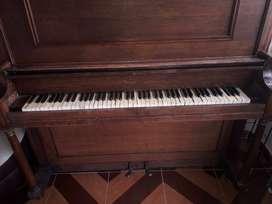 PIANO WURLITZER PARA COMPRAR ENTERO O POR PIEZAS.