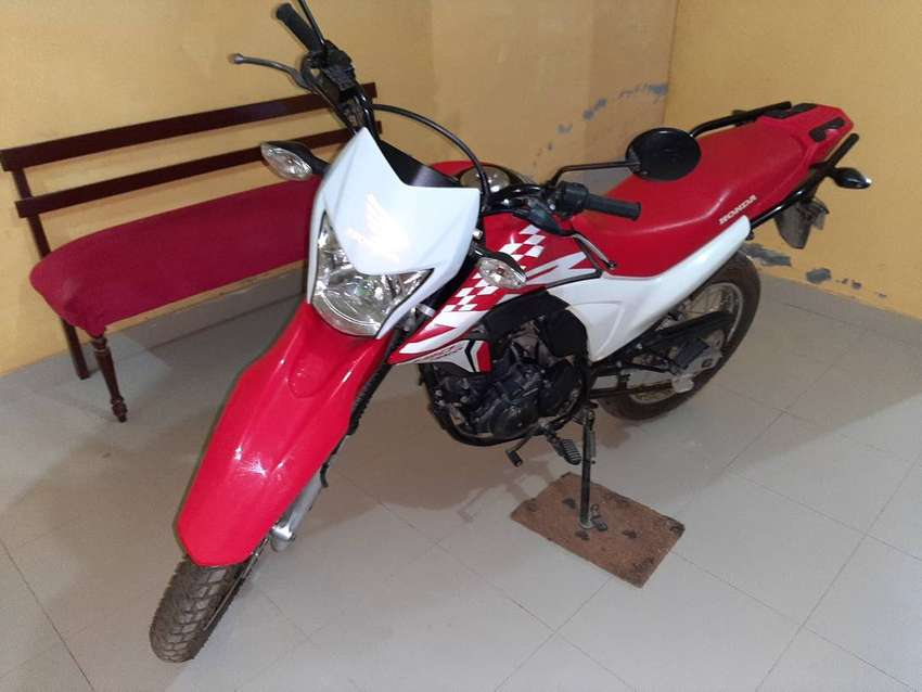 Vendo moto Honda XR190L 0