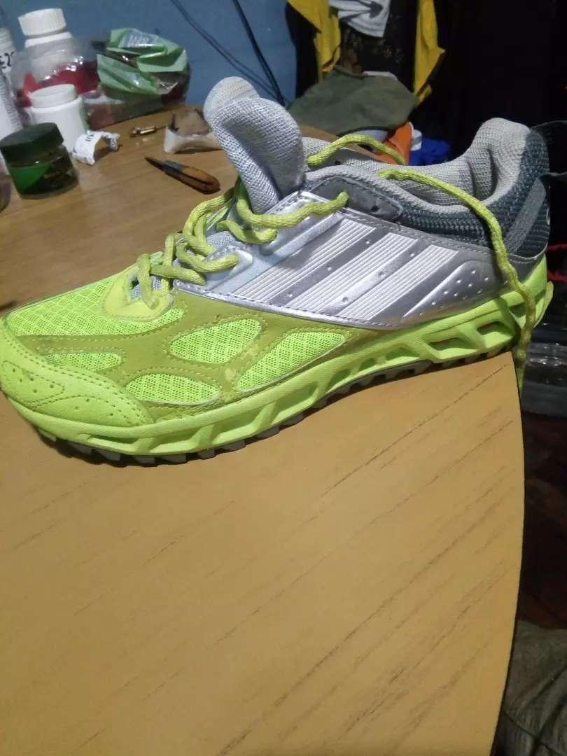 Zapatillas originales Adidas en lomas de zamora