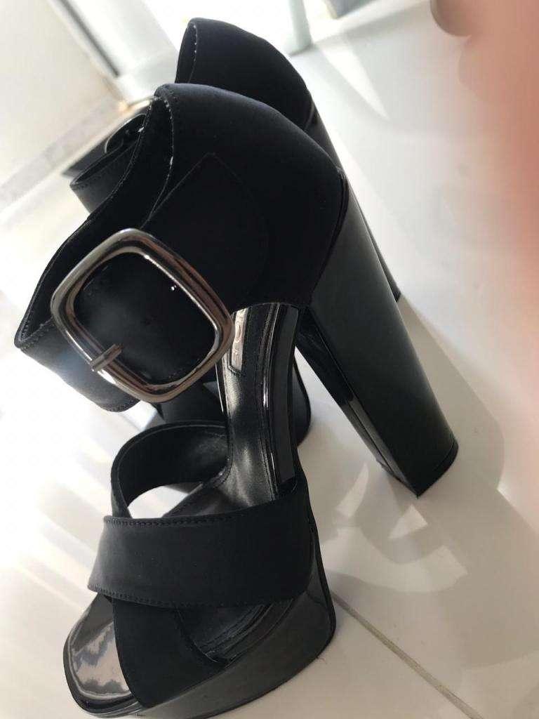 Se Venden Hermosos Zapatos Marca Studio F 0