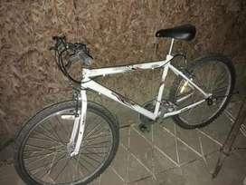 Bicicleta Unibike Mountain bike. Rod.26