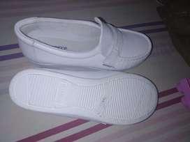 Se vende zapatos de enfermeria