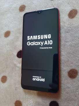 Vendo Samsung a10 libre sin detalles vendo celular solo sin accesorios